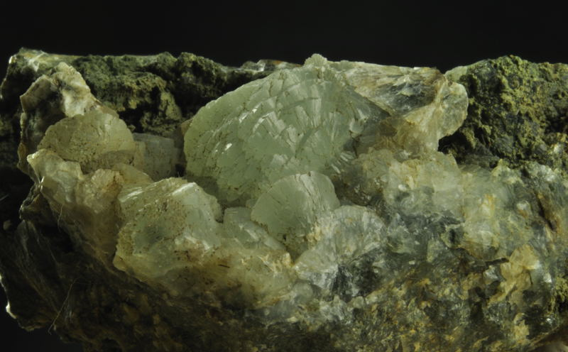 Prehnite-Do le Pele.jpg