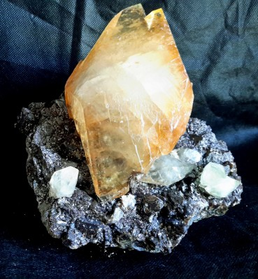 Calcite - USA (2).jpg
